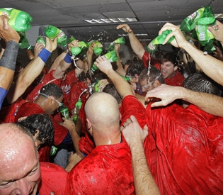 Rangers Celebrate with Ginger Ale for Josh Hamilton