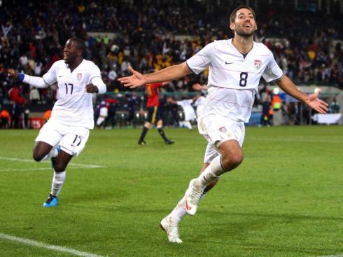 Clint Dempsey scores a goal